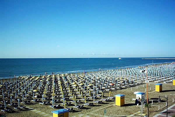 Matrimonio Spiaggia Caorle : Italiano